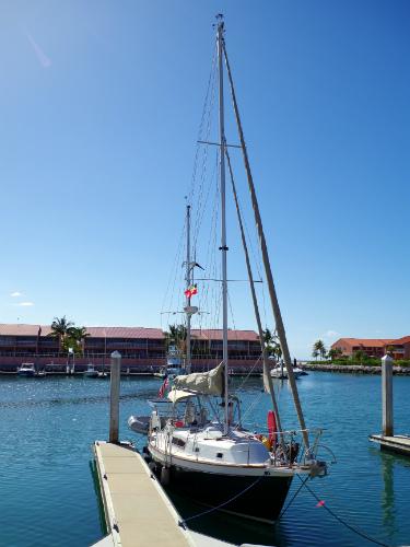 Horizon docked at Bimini Sands Marina